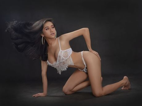 Oriental camgirl RuthlesSeduction